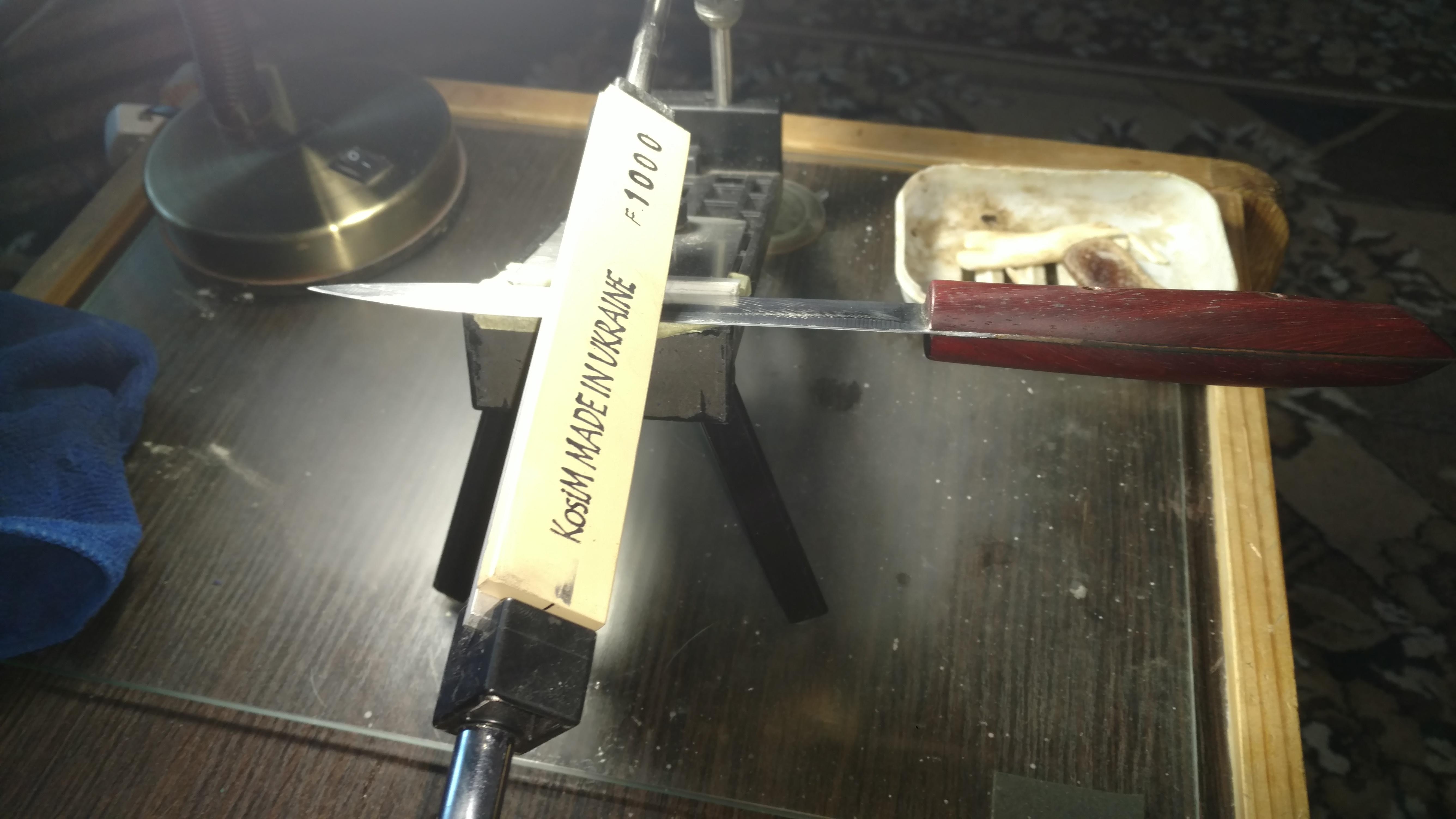 Точильные водные камни произведенные в Черкассах, испытания на кухонном ноже, оставшемся инкогнито